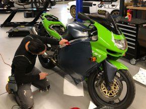 Wrappen van motorfiets